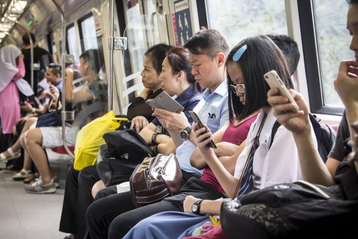 singapore smartphones